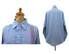 画像2: 1970's Permanent Press Embroidery Chambray Shirts Sax Blue size S - M (表記 M 15 - 15 1/2) (2)